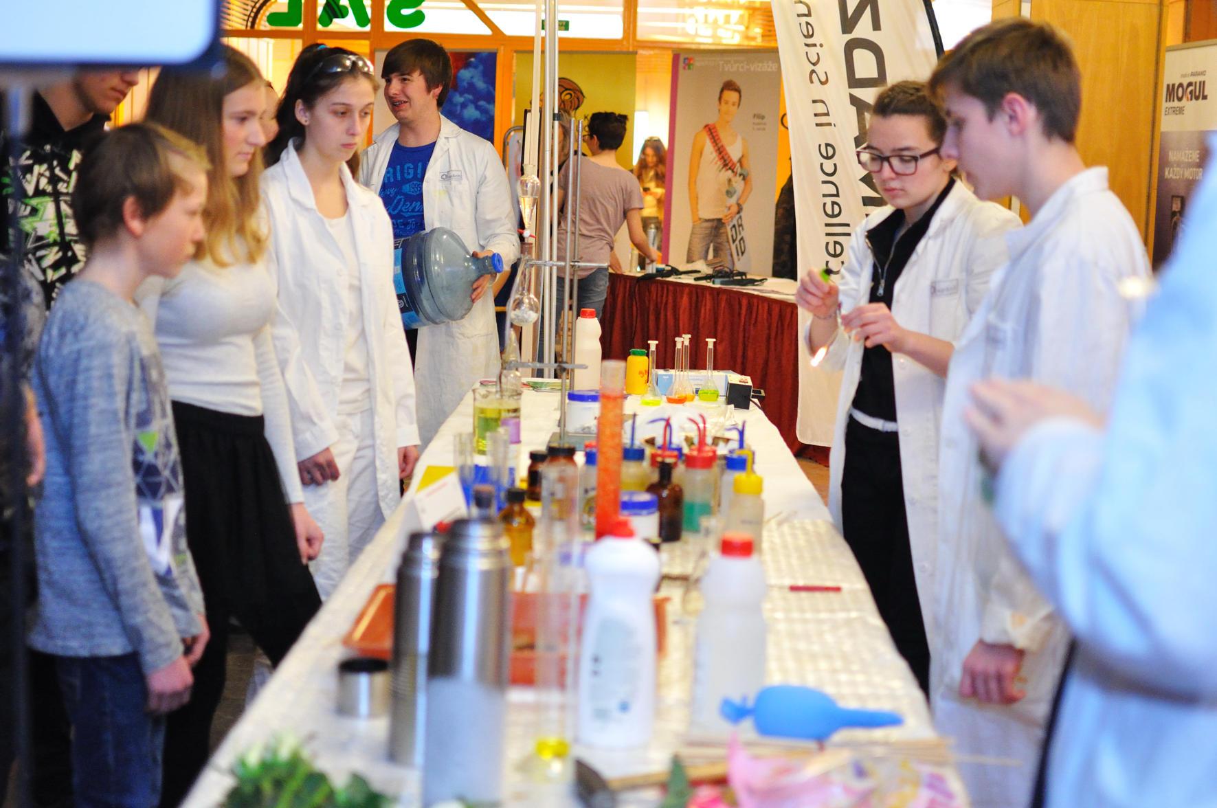 Mladý chemik | foto Milan Reinberk